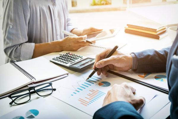 Apeleaza la o firma de contabilitate